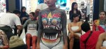 Puluhan Model Meriahkan Body Painting di Tengah Mall