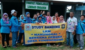 Study banding LKM Desa Tunggorono, Kutoarjo ke Bank Sampah SMKN 1 Purworejo - foto: Sujono/Koranjuri.com