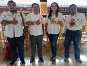 Kiri-kanan: Adnan dari Relawan Jokowi (Rejo), Sekretaris Tim Kemenangan Daerah (TKD) Daerah  Bali, I Gusti Putu Wijaya, Wakil Ketua Sekber Jokowi Bali, Ni Wayan Parwati Asih dan Sekjen Sekber Jokowi Bali, Mardiki - foto: Koranjuri.com