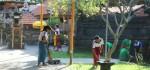 Satgas Pramuka Gotong Royong Bersihkan Lingkungan Pura Er Jeruk Gianyar