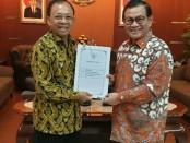 Gubernur Bali I Wayan Koster lebih bertemu Sekretaris Kabinet Pramono Anung, Jumat, 28 Desember 2018 - foto: Istimewa