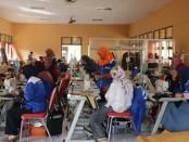 Peserta tengah mengikuti pelatihan ketrampilan berbasis kompetensi di UPT BLK Dinperinaker Kabupaten Purworejo - foto: Sujono/Koranjuri.com