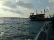 Kapal Ikan Asing Jenis Trawl atau Pukat Tarik melakukan pelanggaran fishing ground - foto: Istimewa