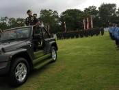 Pangdam IX/Udayana Mayjen TNI AD Benny Susianto melakukan inspeksi pasukan pada upacara peringatan Hari Juang Kartika Ke-73 di Stadion Praja Raksaka, Kepaon Denpasar, Sabtu, 15 Desember 2018 - foto: Koranjuri.com