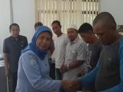 Penyerahan dilakukan langsung oleh Direktur Produksi dan Usaha Budidaya Direktorat Jenderal Perikanan Budidaya, Umi Windriani dan PT. Asuransi Jasa Indonesia - foto: Istimewa