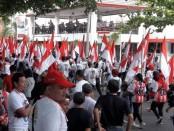 Flashmob bersama ketua Tim Kampanye Nasional (TKN) Jokowi-Ma'ruf, Erick Tohir dan relawan di Beteng Vasternburg, Solo - foto : Koranjuri.com