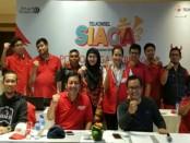 Staf dan manajemen Telkomsel Regional Bali Nusra yang selalu siap mengutamakan kualitas layanan para pelanggan - foto: Ari Wulandari/Koranjuri.com