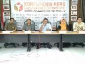 Konferensi Pers Bawaslu Kabupaten Purworejo, membahas tentang pencapaian kinerja  2018 - foto: Sujono/Koranjuri.com
