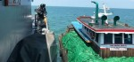 Kapal Kargo Tak Berijin Bermuatan Kelapa Diamankan di Perairan Pulau Rangsang