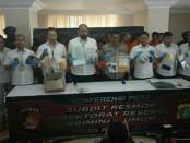 Pencurian spesialis minimarket ditangkap dan diberikan peringatan tegas oleh Subdit III Resmob Ditreskrimum Polda Metro Jaya - foto: Istimewa