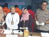Subdit III Sumdaling Polda Metro Jaya menangkap 6 tersangka pemindahan atau penyuntik gas oplosan. Para Tersangka diantaranya ADN alias End, LA, RSM, KND dan YEP - foto: Istimewa