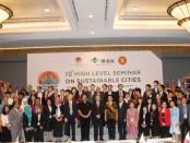 Wakil Gubernur Bali Tjokorda Oka Artha Ardhana Sukawati atau Cok Ace memaparkan permasalahan penumpukan sampah plastik dalam 10th East Asia Summit - High Level Seminar On Sustainable Cities, di Hotel Conrad, Nusa Dua, Badung, Senin, 21 Januari 2019 - fotoL Istimewa