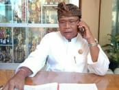 Kepala SMK PGRI 3 Denpasar, Nengah Madiadnyana - foto: Istimewa