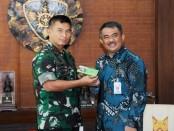 Pangdam IX/Udayana, Mayjen TNI Benny Susianto menerima audiensi pejabat Universitas Udayana dari Fakultas Kedokteran - foto: Istimewa