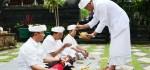 Muncul Fenomena Seperti Guratan Naga Saat Koster Sembahyang di Pura Hyang Wisesa, Besakih