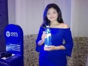 Kemasan botol plastik 100 persen daur ulang yang dirilis di Indonesia untuk pertama kalinya di Bali - foto: Koranjuri.com