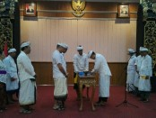 Pengukuhan, Pembina, Pengurus dan Pengawas Yayasan Dwijendra Pusat Denpasar Periode 2019-2024 - foto: Koranjuri.com