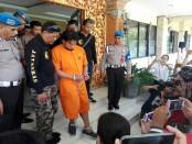 Pelaku penganiyaan di jalan Kebo Iwa Denpasar digelandang ke Polresta Denpasar - foto: Koranjuri.com