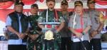 Panglima TNI Beri Penghargaan untuk Prajurit TNI/Polri di Sentani Jayapura