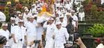 Wagub Bali Bawakan Tarian Sakral saat Upacara Tawur Agung Kesanga di Pura Besakih