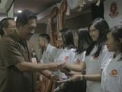 Lembaga Pelatihan Kerja (LPK) Darma STIKOM Bali group resmi melepas 33 peserta magang ke Jepang - foto: Istimewa