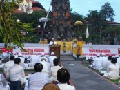 Santhi Puja Nasional digelar oleh elemen umat Hindu di Pura Aditya Jaya, Rawamangun Jakarta Timur, Sabtu, 16 Maret 2019 sore hingga malam - foto: Istimewa