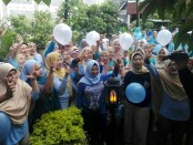 Komunitas Emak-emak pendukung Prabowo-Sandi di Bali mengadakan senam bersama - foto: Koranjuri.com