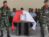 enasah Sersan Satu Anumerta Mirwariyadin disemayamkan di Base Ops Lanud Ngurah Rai - foto: Istimewa