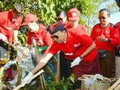 Gubernur Bali I Wayan Koster mencanangkan Program Semesta Berencana Bali Resik Sampah Plastik di Bangli, Minggu, 7 April 2019 - foto: Istimewa