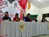 Sekolah Tinggi Ilmu Sosial dan Ilmu Politik (STISPOL) Wirabhakti Denpasar menggelar Seminar Otoritas Jasa Keuangan RI - foto: Koranjuri.com