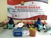 Donor darah MA An Nawawi, Berjan, Purworejo, dalam rangka memperingati hari Isra' Mi'raj 1441 H dan Hari Kartini, Sabtu (20/4) - foto: Sujono/Koranjuri.com