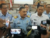 Kepala Kanwil Hukum dan HAM Bali, Sutrisno usai menggelar keterangan pers terkait kasus sipir Lapas Kerobokan yang menyelundupkan 590 butir ekstasi ke Lapas Kelas IIA Kerobokan - foto: Koranjuri.com