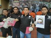 Team Jatanras Polres Metro Jakarta Barat menggulung lima komplotan pencurian dengan kekerasan yang terjadi di Jalan Arjuna, Kemanggisan, Palmerah, Jakarta Barat pada Senin (08/04/2019) dini hari lalu - foto: Bob/Koranjuri.com
