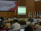Suasana rekapitulasi suara pilihan legislatif dan presiden serta wakil presiden oleh KPU Kabupaten Purworejo - foto: Sujono/Koranjuri.com