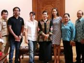 Panitia Internasional Flower Competition (IFC) akan diumumkan pada bulan Juni 2019 bersama Ny. Putri Koster di Jayasabha, Denpasar, Senin, 20 Mei 2019 - foto: Istimewa