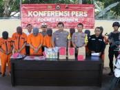 Kapolres Kebumen, AKBP Robertho Pardede, saat ungkap kasus selama Operasi Ketupat Candi 2019 - foto: Sujono/Koranjuri.com