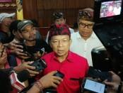 Gubernur Bali Wayan Koster usai menggelar Prescon PKB XLI di Gedung Wiswa Sabha Kantor Gubernur Bali, Senin, 10 Juni 2019 - foto: Koranjuri.com