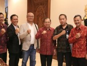 Gubernur Koster menerima audiensi dari tim Ditjen Industri Agro Kemenperin didampingi Kepala Dinas Perindusterian dan Perdagangan Bali, Putu Astawa - foto: Istimewa