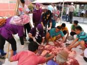Pengecekan daging qurban oleh Dinas Pertanian dan Pangan Kabupaten Kebumen, Minggu (11/8) - foto: Sujono/Koranjuri.com