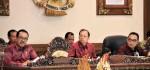 Pelantikan DPRD Bali Gunakan Busana Adat, Gubernur: Tunjukkan Identitas Diri