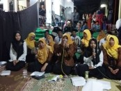 Penampilan grup Hadrah MIZINQ dari Rutan Purworejo, saat di pengajian akbar, Majelis Dzikir Nurul Qodiri Indonesia, yang berpusat di Desa Kedungsari, Purworejo - foto: Sujono/Koranjuri.com