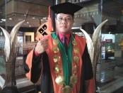 Rektor IKIP PGRI Bali,  Dr. Made Suarta, SH., M.Hum - foto: Koranjuri.com