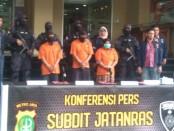 Ketiga DPO yakni RS alias Rodi (36), S alias Alpat (20) dan K alias Tini (43) ditangkap di wilayah OKU Selatan, Palembang, Sumatera Selatan - foto: Bob/Koranjuri.com