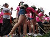Reuni 15 besar Miss Universe 2015 di Karangasem, Bali, salah satunya melakukan aksi bersih sampah plastik di Desa Adat Tabola, Kecamatan Sidemen, Karangasem, Bali - foto: Koranjuri.com