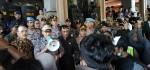 Temui Mahasiswa, Ketua DPRD Bali Teken Tuntutan Aksi 'Bali Tidak Diam'