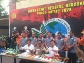 12 orang anggota sindikat narkoba jaringan Malaysia-Pekanbaru-Jakarta, dibekuk Subdit III Ditresnarkoba Polda Metro Jaya - foto: Bob/Koranjuri.com