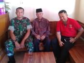 Kapolsek Gebang, AKP Supriyadi, didampingi Kepala Desa Kroyo, Suprayitno, dan Babinsa setempat - foto: Sujono/Koranjuri.com