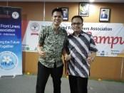 Chairman Indonesia Hotel Front Liners Association (HFLA) Chapter Bali Alit Susila (kiri) bersama tim - foto: Koranjuri.com