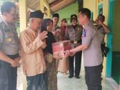 Kapolres Kebumen AKBP Rudy Cahya Kurniawan, saat mengunjungi salah satu ulama di Kebumen - foto: Sujono/Koranjuri.com