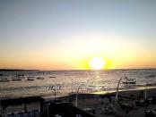 Sunset view tampak dari Konderatu Beach Club - foto: Koranjuri.com